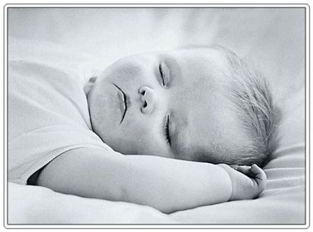 4-baby-sleeping-bw