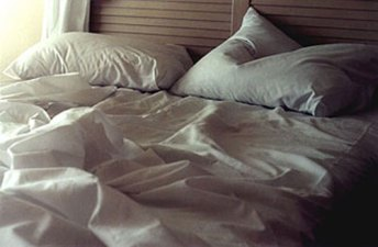 15. messy-bed