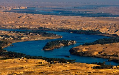 The Euphrates flows through Turkey, Iraq, and Syria. Photo by Cory Smith.
