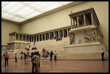 Rev2 altar of Pergamum